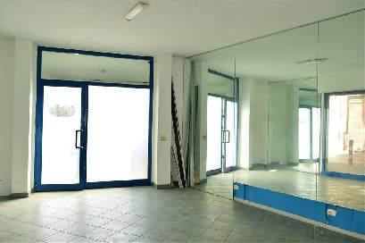 lf176-Locale Commerciale-SANTA-MARIA-CAPUA-VETERE-Piazza-Mazzini