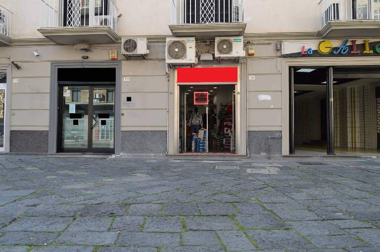 LV052A-Locale Commerciale-SANTA-MARIA-CAPUA-VETERE-Corso-Aldo-Moro