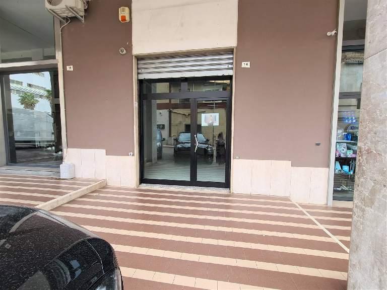 LF240-Locale Commerciale-SANTA-MARIA-CAPUA-VETERE-Via-Giuseppe-Bonaparte